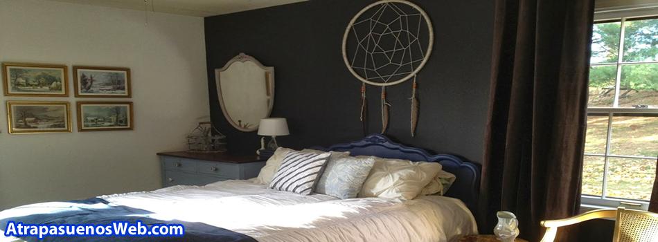 imagenes de atrapasueños colgado en una cama